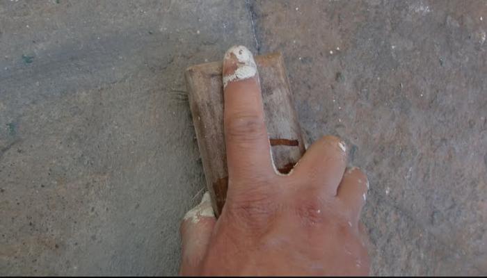 como quitar manchas de pintura seca