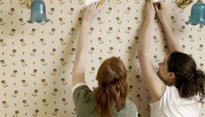 Cómo quitar papel pintado de la pared sin dañarla en siente pasos
