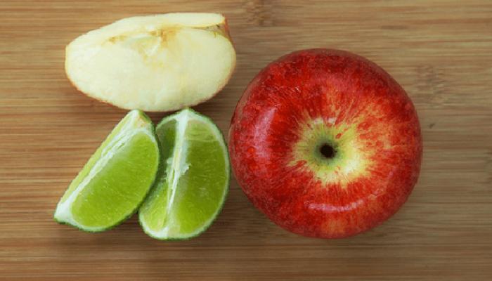 Mascarilla de manzana y limón para quitar puntos negros en la cra