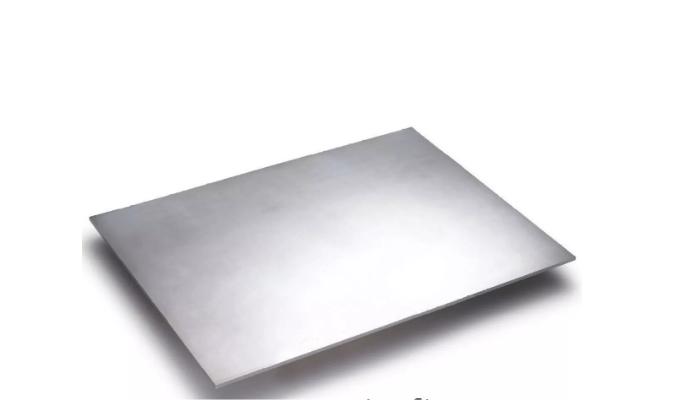 Cómo quitar restos de pegamento del aluminio