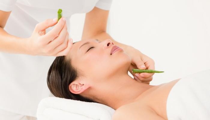 Cómo quitar verrugas pequeñas del cuello