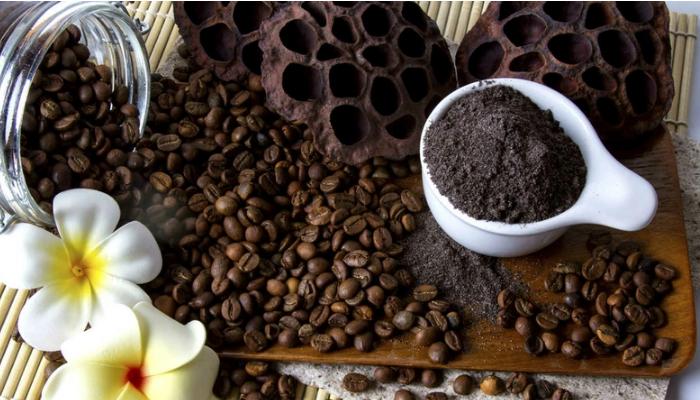 Exfoliante anticelulítico de café, para quitar la celulitis rápido