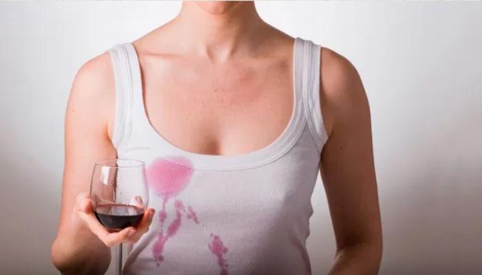 Cómo quitar manchas de vino tinto en la ropa blanca: