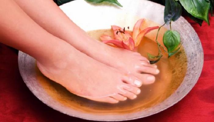 5 métodos caseros para quitar un uñero del pie