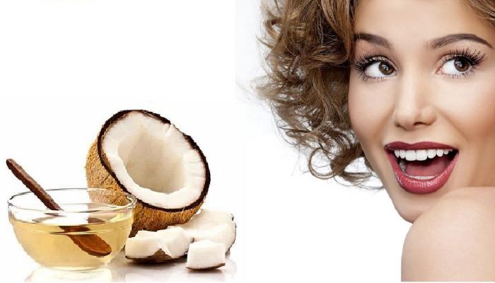 Enjuague de Aceite de Coco: para quitar las manchas marrones de los dientes