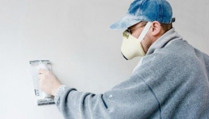 Procedimiento para quitar pintura de la pared