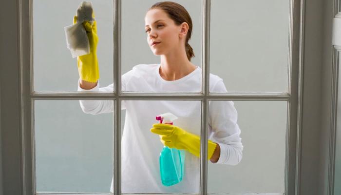Cómo quitar pintura de las ventanas de vidrio