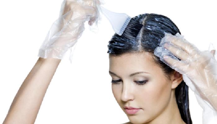 Cómo quitar las manchas de tintes de la piel.
