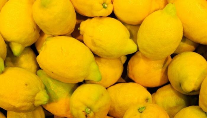 Limones con clavos para quitar el mal de ojo a uno mismo