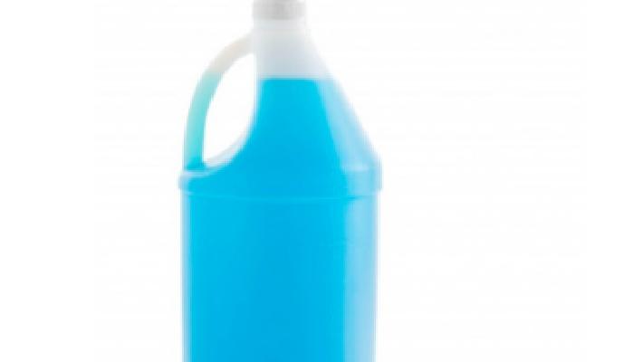 Jabón líquido y Agua oxigenada para quitar manchas de vino tinto en ropa ya lavada