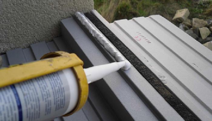 cómo quitar restos de silicona del aluminio