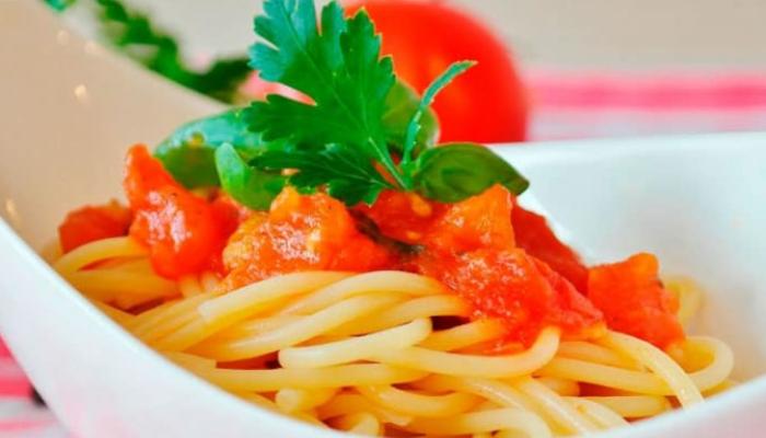 Cómo quitar manchas de tomate de manera efectiva