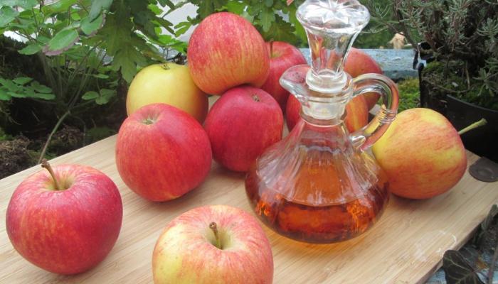 Cómo quitar lunares rojos con vinagre de manzana