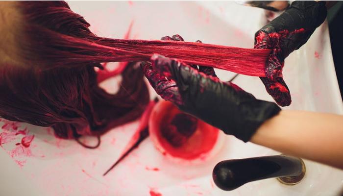 Cómo quitar tinte de la ropa de diferentes superficies