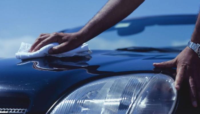 Luego de quitar arañazos del coche, debes pulirlo y cuidarlo