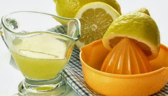 ¿Cómo quitar el moho del baño? con limón efectivo