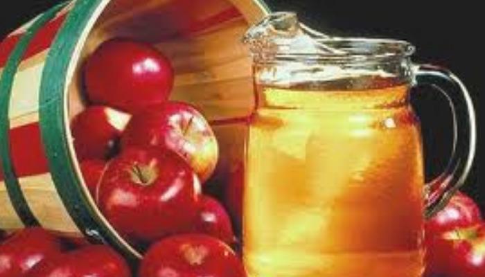 Vinagre de manzana y quita las liendres pegadas al pelo