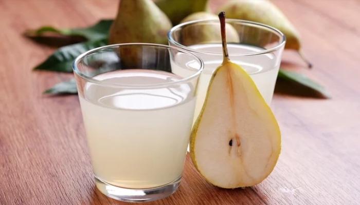 Un refrescante jugo de pera para quitar los ardores