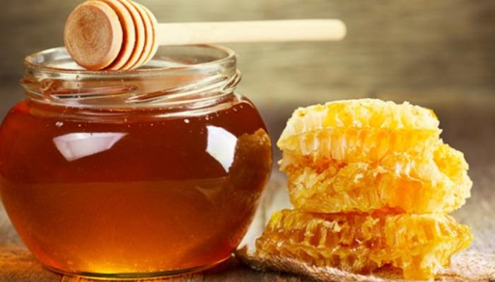 Desaparece vello facial con los encantos de la miel