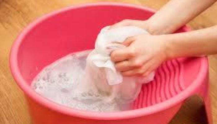 Cómo quitar las manchas de sangre con agua fría