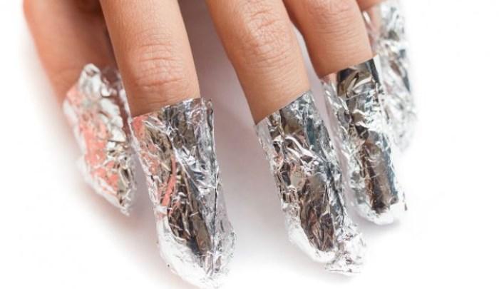 quitar las uñas de gel