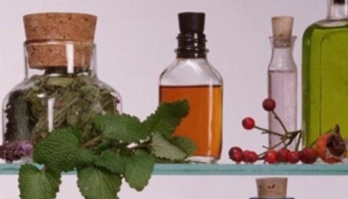 Cómo quitar las verrugas en el cuello con los 6 remedios naturales más efectivos