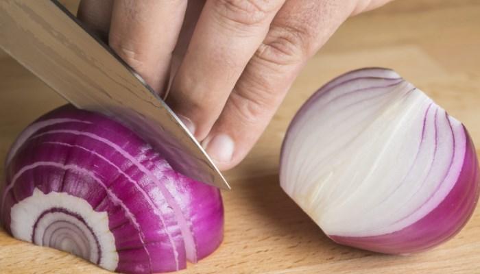 Cómo quitar las verrugas en el cuello con jugo d cebolla