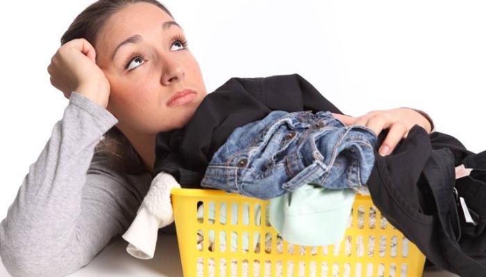 Cómo quitar manchas de humedad de la ropa con prácticos y seguros consejos