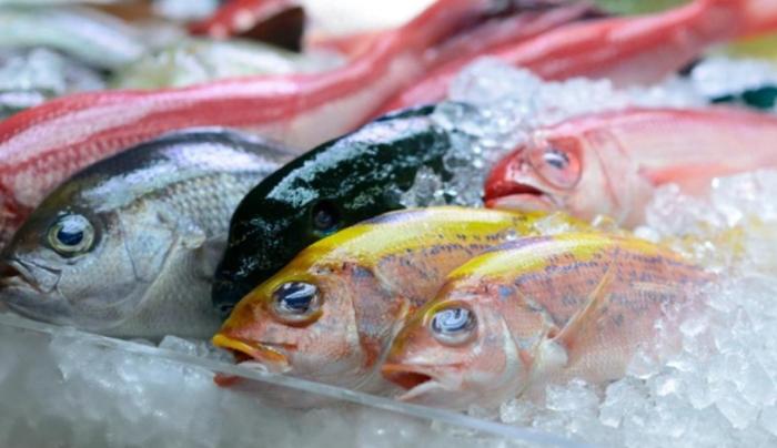 como quitar las espinas al pescado